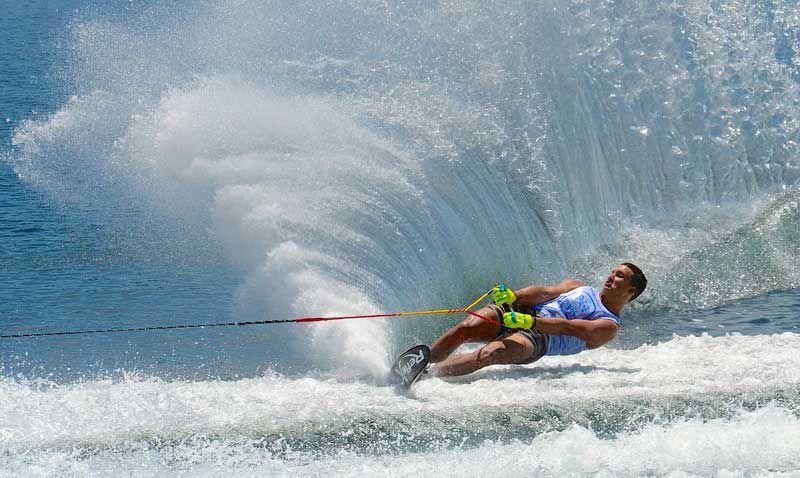 Slalom skier 1